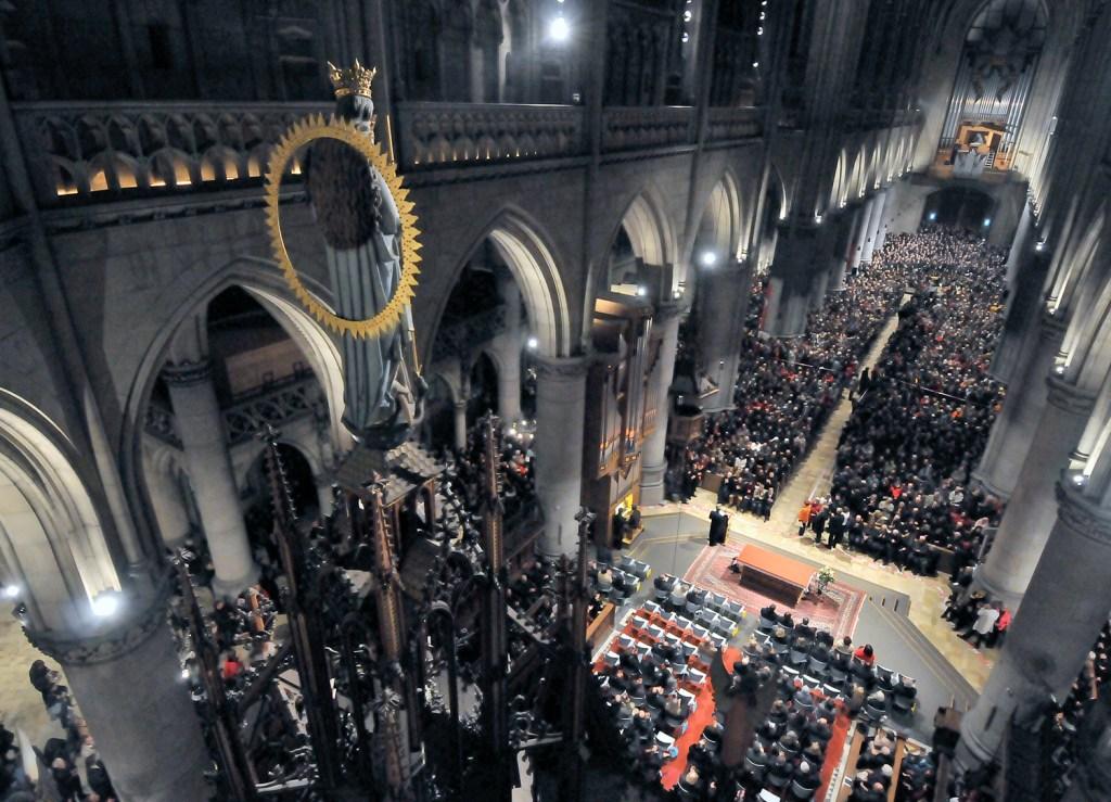 """Anton Bruckners """"Te Deum"""" wurde mit 1000 Ausführenden im Linzer Mariendom aufgeführt. Einer der Höhepunkte der Europäischen Kulturhauptstadt Linz 2009</br>Foto: N.N."""