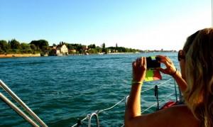 Sailing into Venezia.