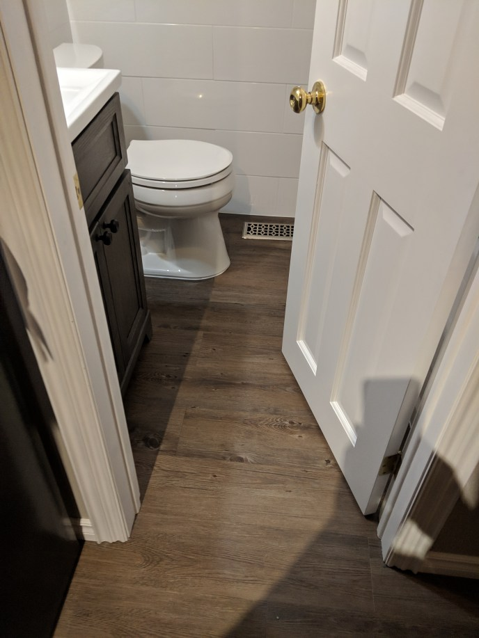 Small bathroom reno, floor installed