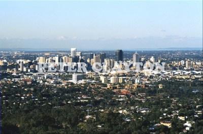 AUSTRALIA - BRISBANE - CITY FFROM MT COOTHA R4  (2)