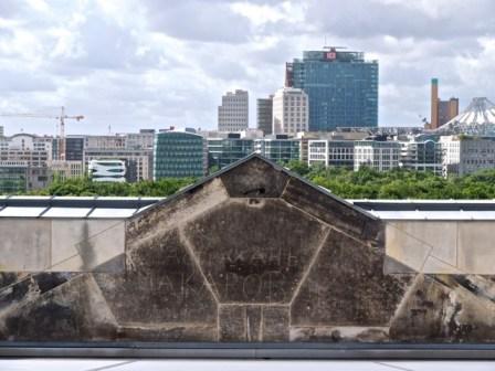 Reichstag graffiti. Photo copyright PD Smith.