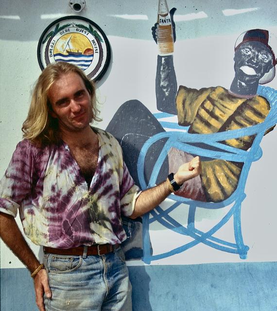 Peter Moore and a mural friend in Bwejuu Beach (Peter Moore)