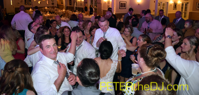 Guests pack the dance floor!