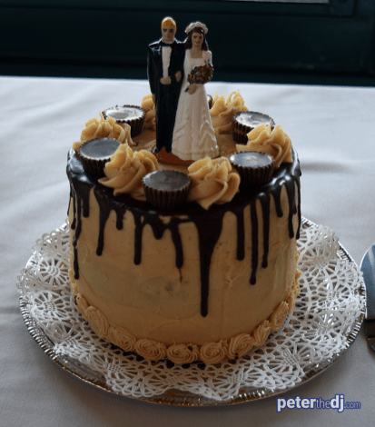 Wedding cake at Bethany and Brian's wedding at Skyline Lodge, Highland Forest, Fabius, NY. November 2018. Photo by DJ Peter Naughton peterthedj.com