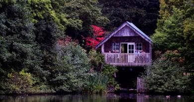 Winkworth Arboretum Boathouse