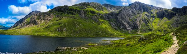 Panorama view looking across Llyn Idwal to Y Gribin and Glyder Fach 2