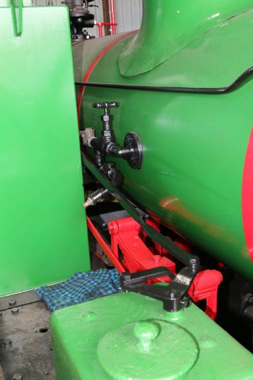 2015-2491: The rodding to operate the forward sanding gear within the original sand boxes.