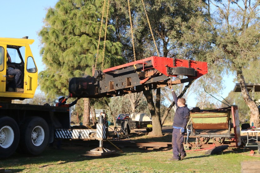 Image 2018.1809: Next, the frame was lifted off the driving wheels...