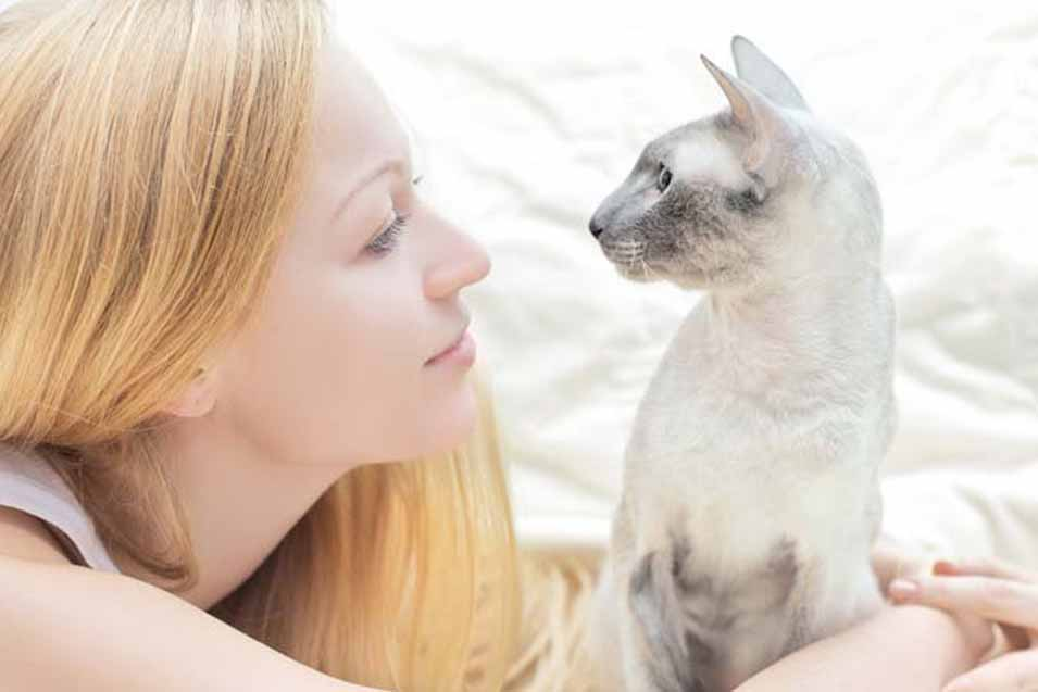 Picture of woman and a cat