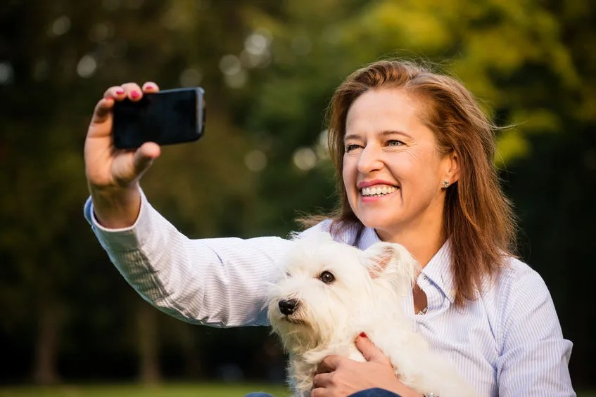 犬とのツーショットは犬の身分証明書