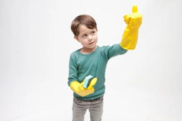 犬の抜け毛掃除にゴム手袋