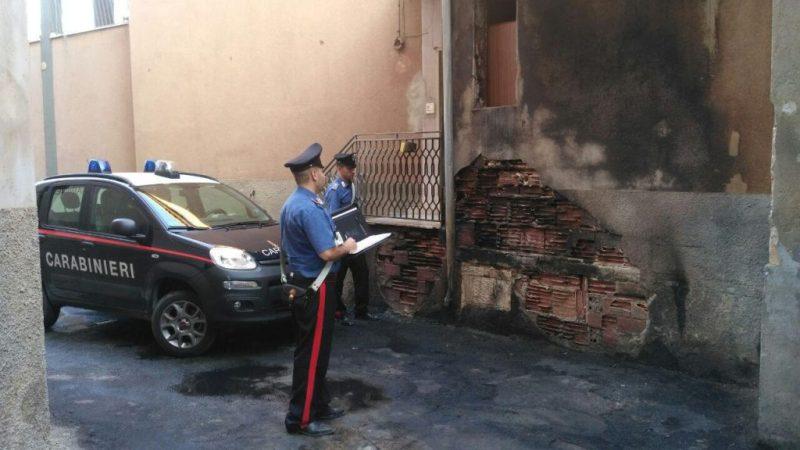 Ennesima auto in fiamme a Roccabernarda