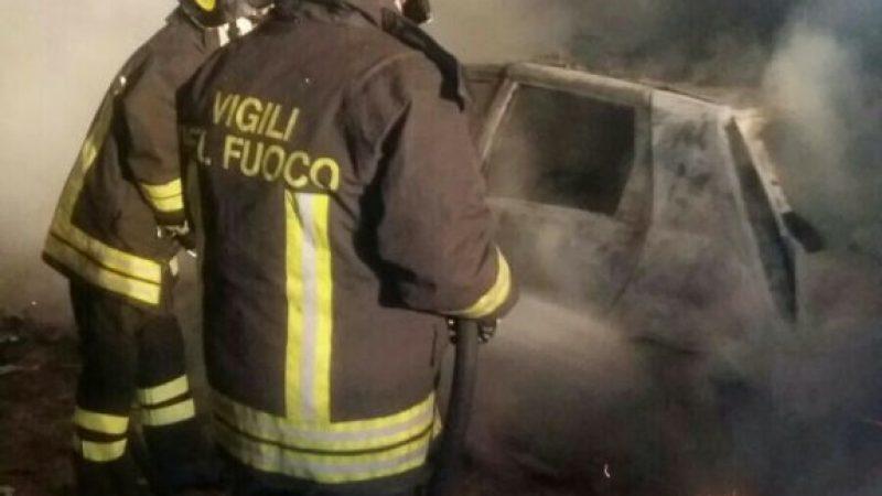 A Scandale auto di due parroci distrutte dalle fiamme