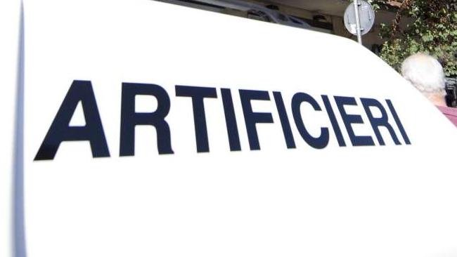 Allarme antiterrorismo all'aeroporto di Crotone: è solo una simulazione