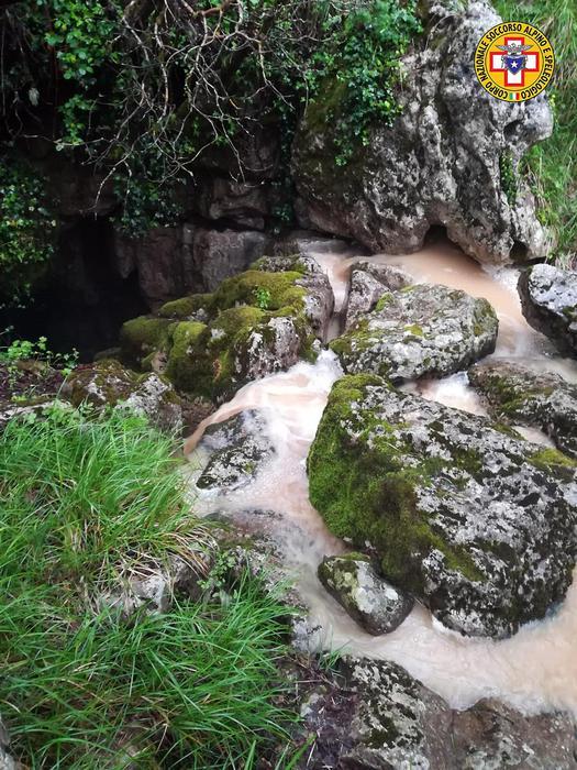 Salvi gli speleologi intrappolati in una grotta in Calabria