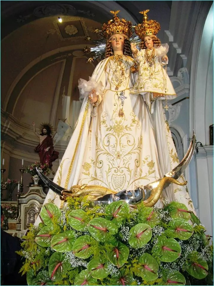 Rientro della statua della Madonna del Rosario