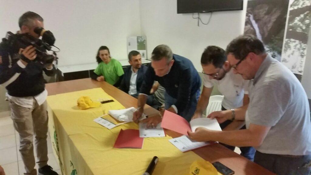 Green community: siglata la convenzione tra Legambiente, Comune di Sersale e Riserve Valli Cupe