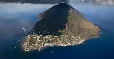 Attività vulcanica dello Stromboli: Terremoto in Calabria