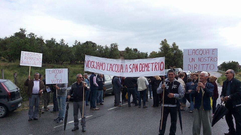 Sospesa la protesta dei residenti in località San Demetrio