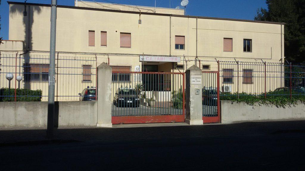 Brucia due volte la casa della compagna, i Carabinieri arrestano convivente violento