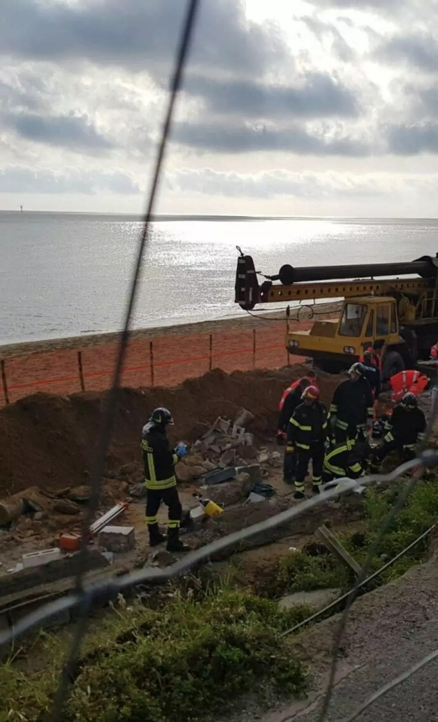 Le segreterie Cgil, Cisl e Uil chiudono per il grave incidente sul lavoro a Crotone
