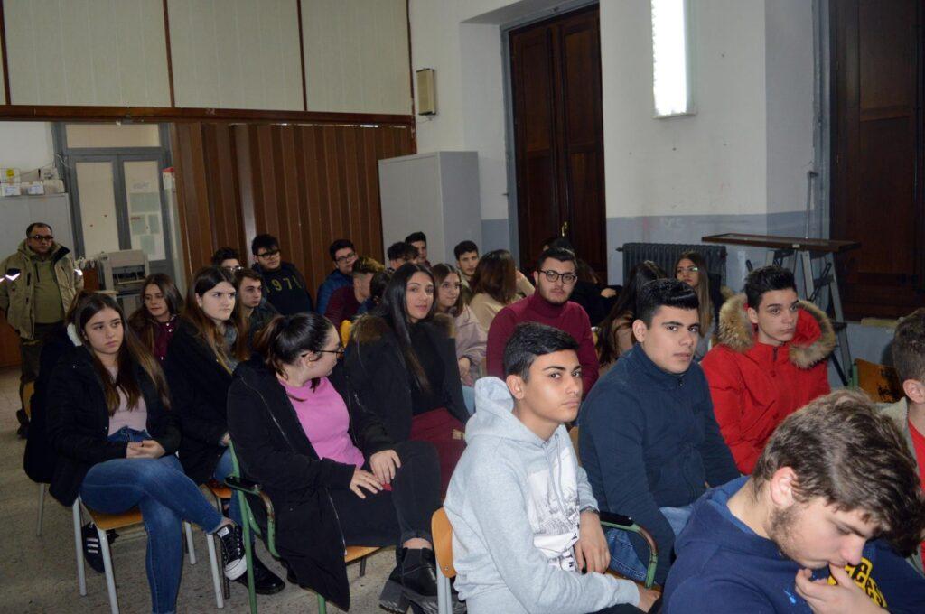 Incontro dei liceali petilini con il reparto Carabinieri Biodiversita' di Catanzaro