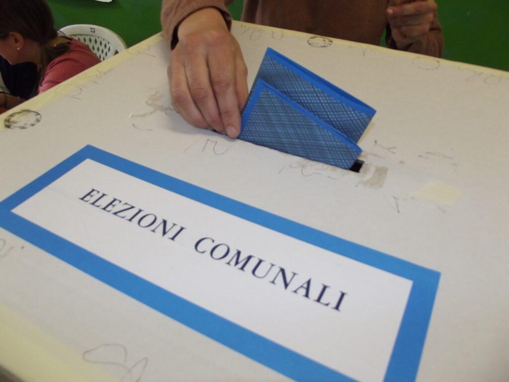 Si vota oggi a Santa Severina e a Rocca di Neto