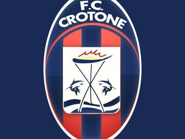 Il Crotone pareggia ad Avellino e sogna la prossima Pasqua in serie A