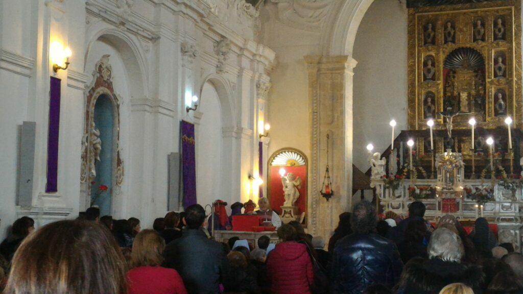Il Calvario è giunto nella chiesa del Santuario della Santa Spina finalmente aperta