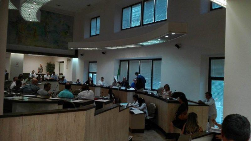 Cinquantaquattro punti all'ordine del giorno. Sciolta la seduta del Consiglio Comunale al Comune di Crotone