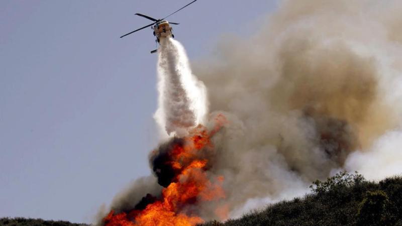 Incendio di una fabbrica di materie plastiche a Cirò Marina
