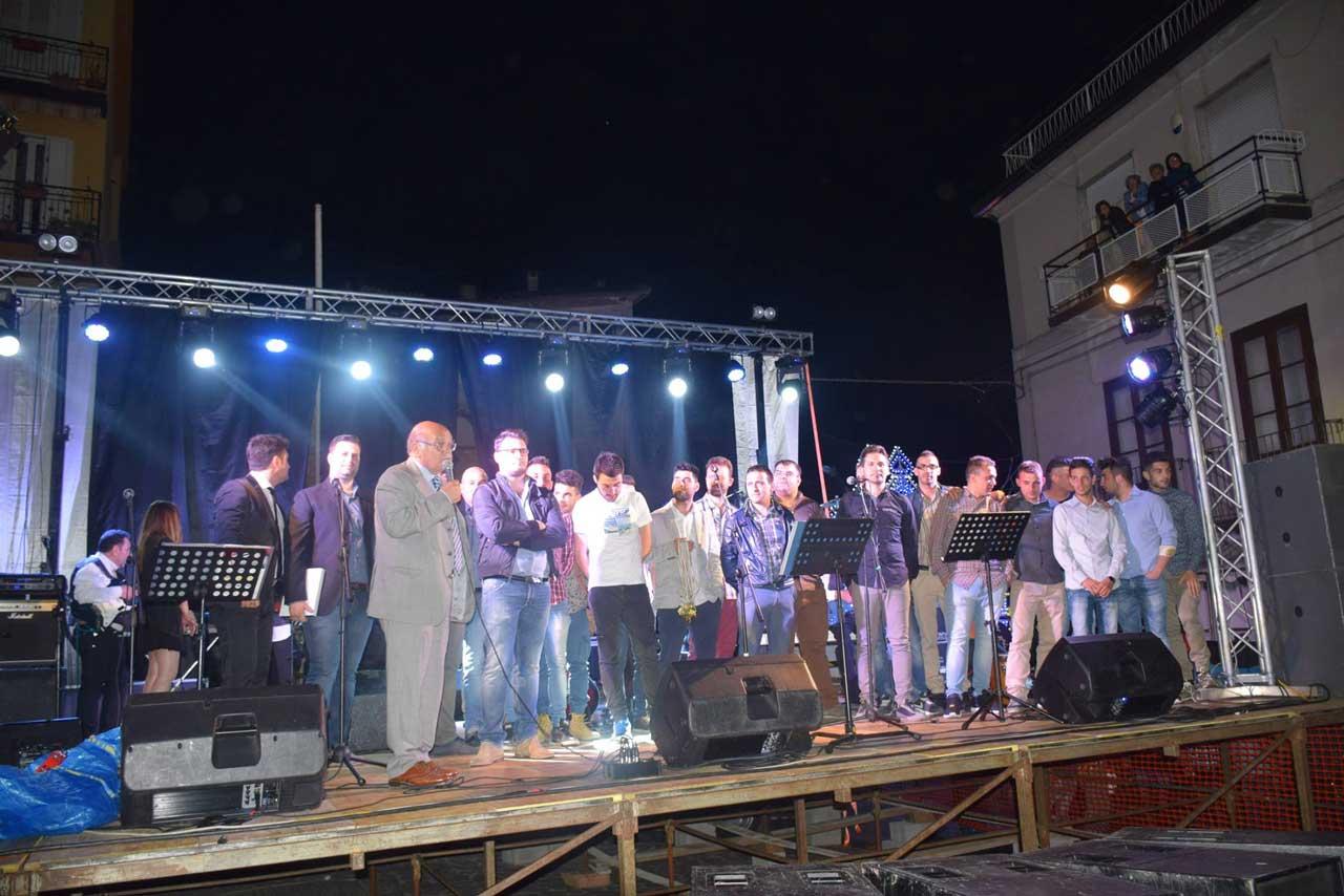 La squadra di calcio Asd Nuova Petilia premiata sul palco della Festa di San Francesco