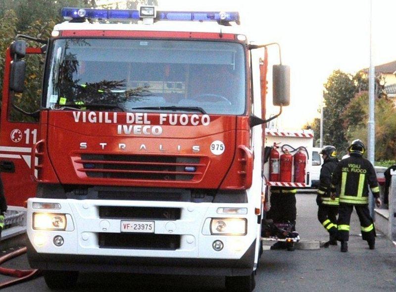 Incidente a Rocca di Neto, intervento immediato dei Vigili del Fuoco