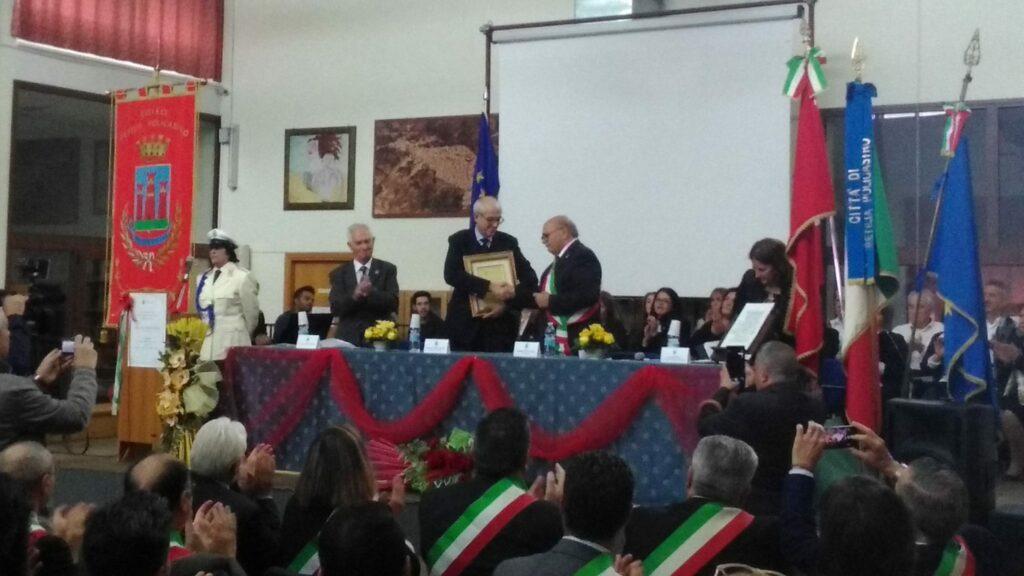 Oggi a Petilia il Consigliere di Stato Tronca ha ricevuto la cittadinanza onoraria