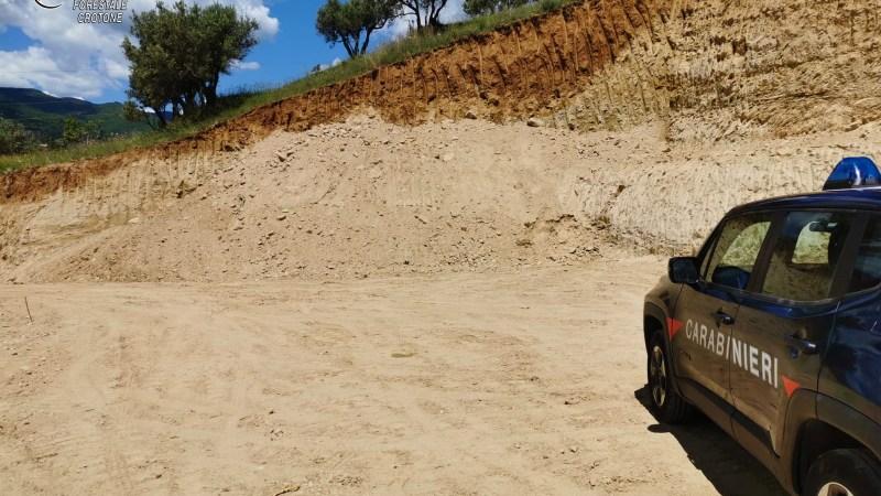 Sbancamento non autorizzato, intervento dei Carabinieri Forestali