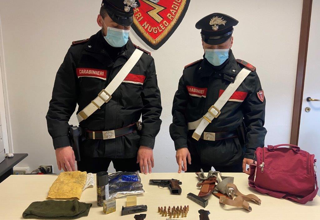Arresto a Cirò Marina per ricettazione e porto d'armi abusivo