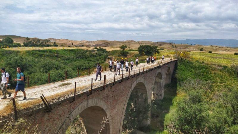 Calanchi del Marchesato presenta una serie di escursioni: oggi la prima sulle ferrovie dimenticate