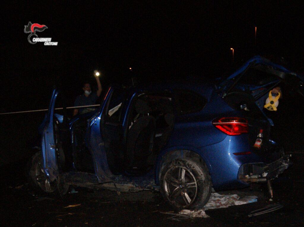 Grave incidente stradale a Isola: Morti due ragazzi e un terzo grave