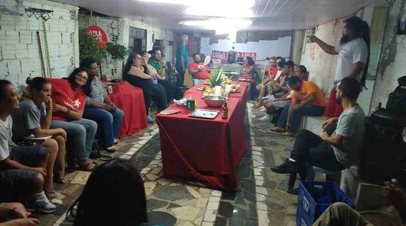 Comitê popular Lula Livre no bairro Santa Rita, em 04/04