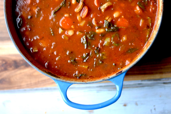 Healthy Minestrone with Chicken Sausage | Easy, healthy, filling + packed with protein! | Recipe at PETITECHEFBLOG.COM