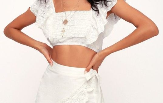 CARRY AWAY IVORY EYELET LACE CROP TOP & LACE SKIRT
