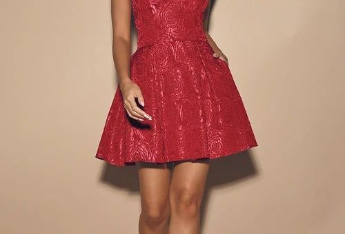 LOVING IS EASY BERRY PINK JACQUARD PLEATED SKATER DRESS