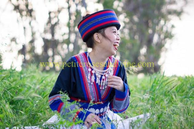 km-03219 Hmong Outfit:: Batik & Silver DIY OUTFITS