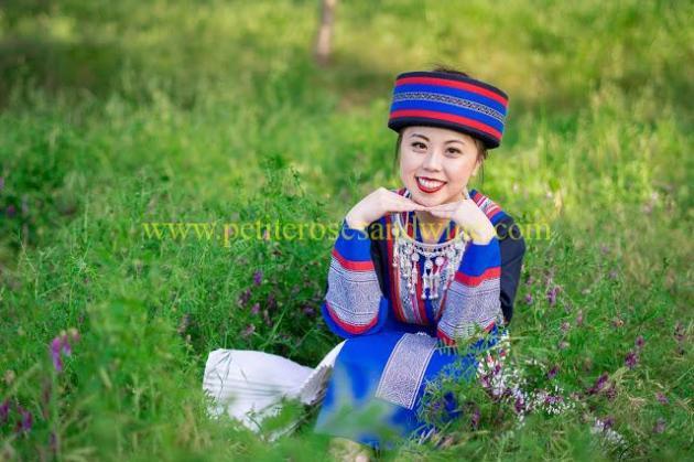 km-03249 Hmong Outfit:: Batik & Silver DIY OUTFITS