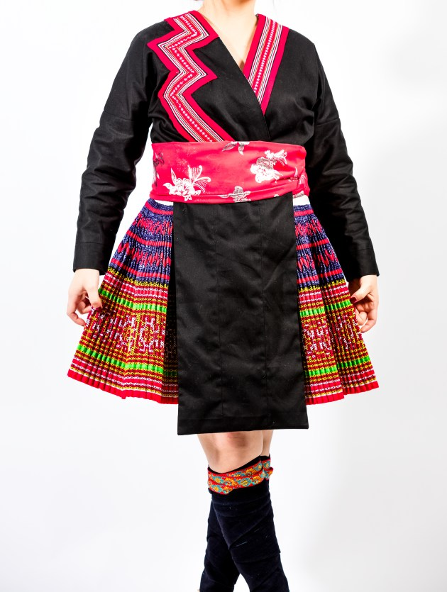 A2A0658-773x1024 Hmong Outfit :: Red Appliqué & Zig Zags DIY HMONG