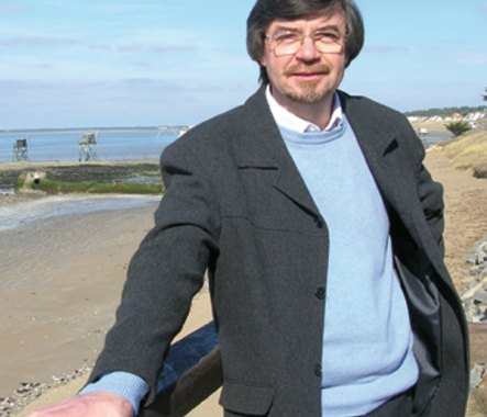 Jean-Noël Guéno aux Editions du Petit Pavé, éditeur indépendant de  Brissac-Quincé, Pays de la loire, 49.