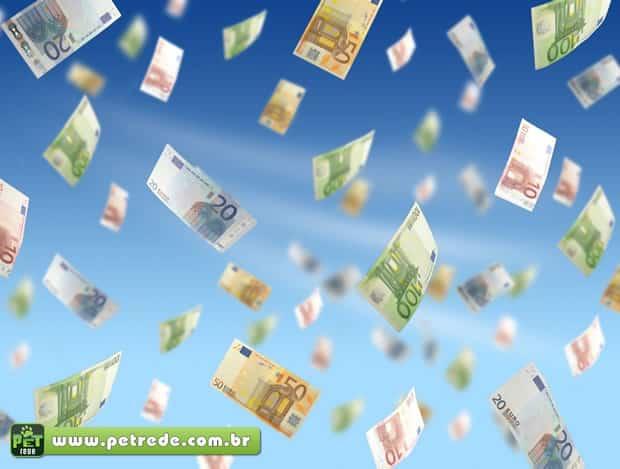 dinheiro-voando-petrede