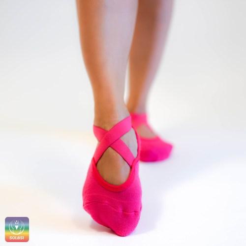 nedrseče nogavice, joga, pilates, pink nogavice
