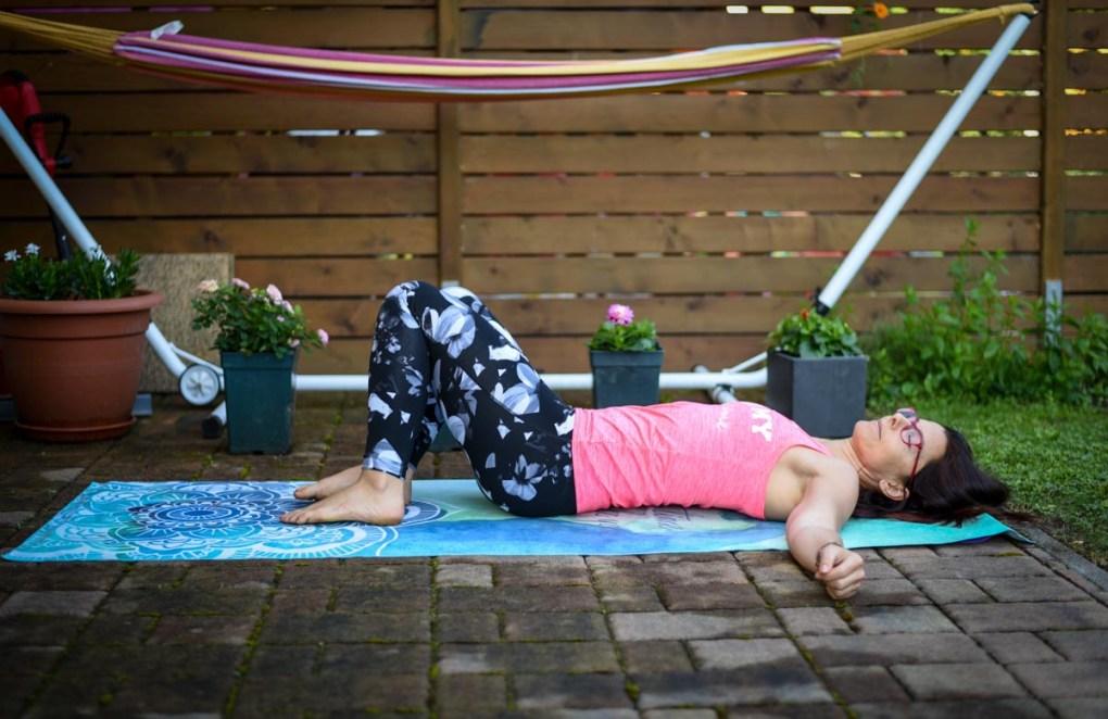Pilates proti bolečinam v kolkih