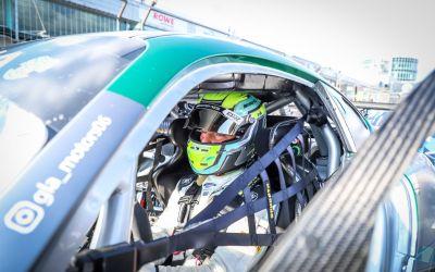 Luca Bosco combatte al Nurburgring e ottiene ancora un podio